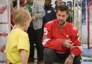 Mike Green surprises Special Olympics athletes at Meijer in Detroit (with photos)