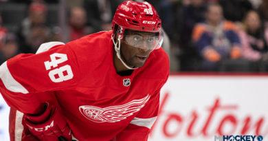 Smith's 'Gordie Howe Hat Trick' helps Red Wings snap seven-game skid